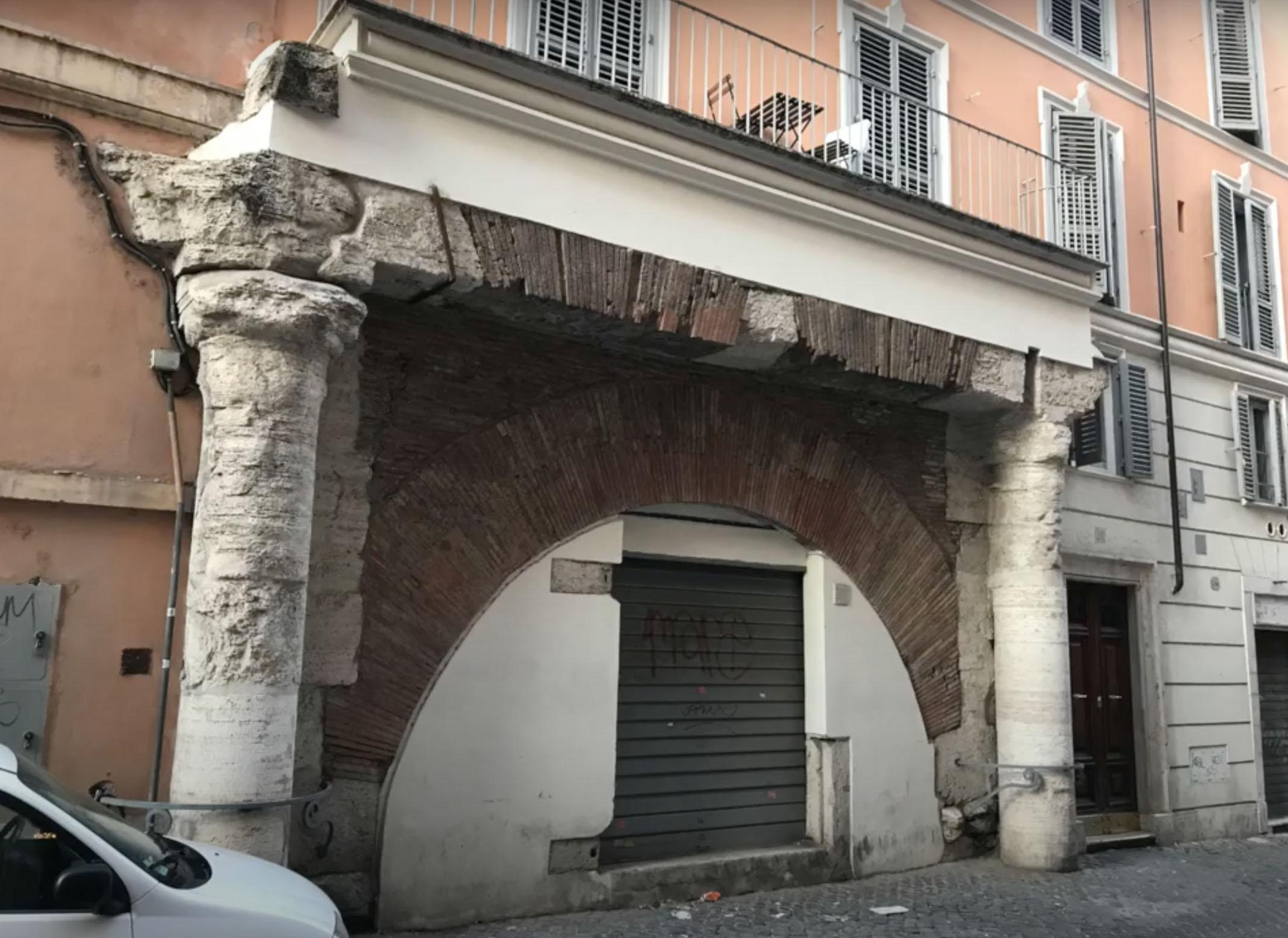 Portico of Santa Maria dei Calderari